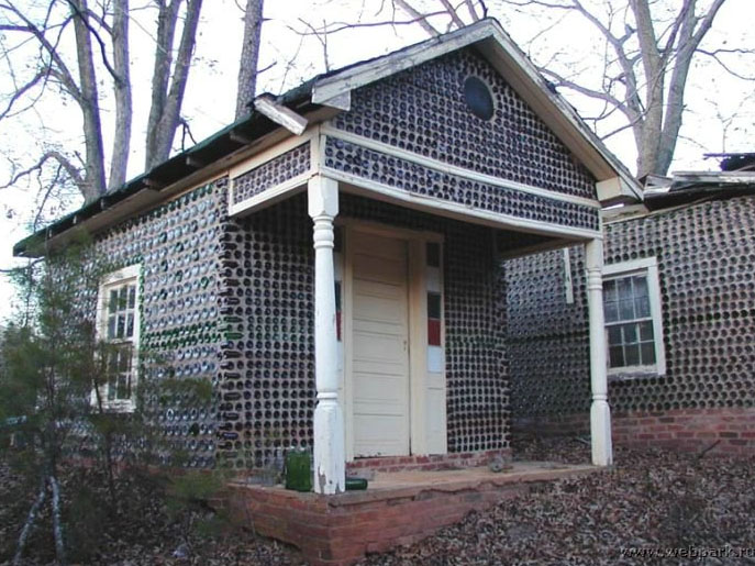 5 recycled buildings made from bottles cans bales for House made by waste material