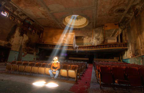 8 abandoned theaters dusty drive ins to classic cinemas for Churches for sale in ny