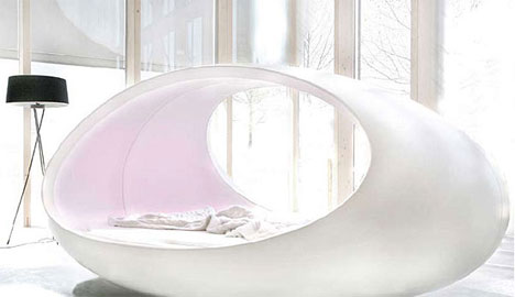 Egg Shaped Bed