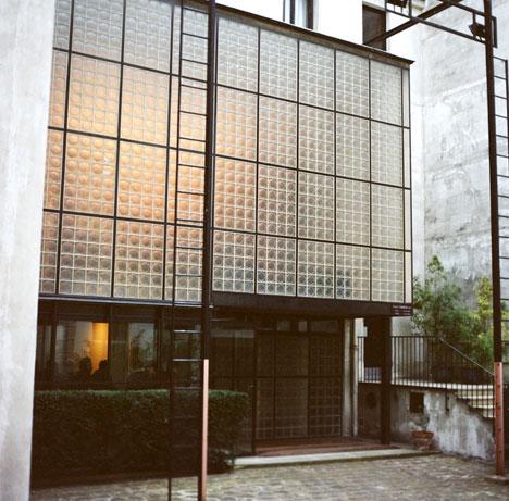 amazing glass house maison de verre paris