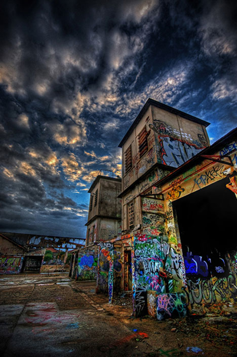 24 Stunning HDR Photographs of Abandoned Places