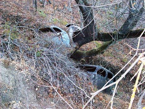abandoned cars gully san jose
