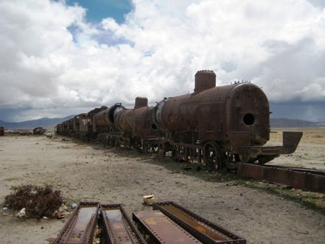 abandoned trains bolivia