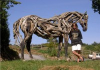 heather-jansch-with-horse-sculpture