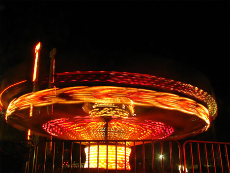 time lapse motion blur photography carnival ride