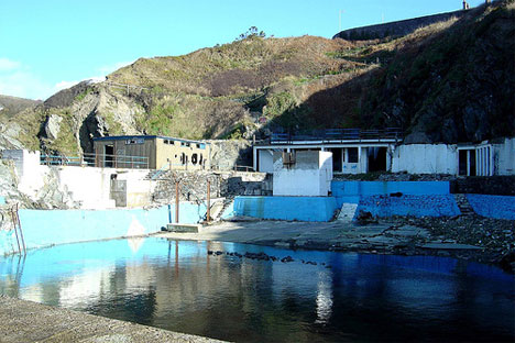 abandoned traie meanagh swimming pool
