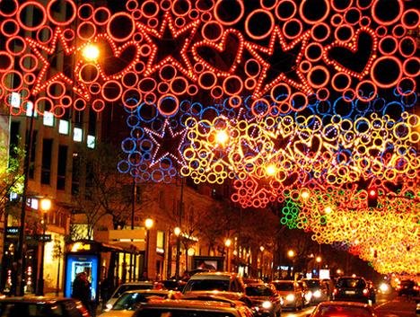 Bright lights city life urban photos of the world at for Luces de navidad para exteriores