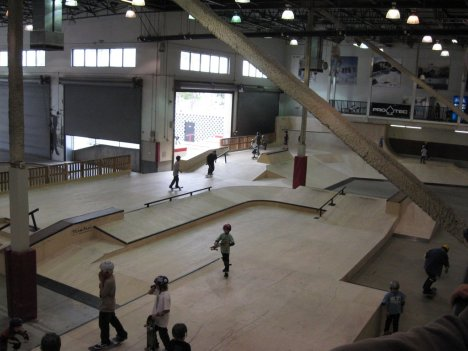 Ramp roll 10 amazing skate parks around the world for Indoor skatepark design uk