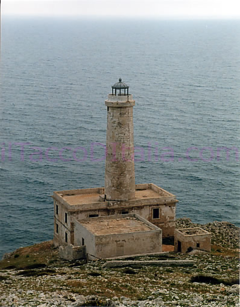 Lost at sea 7 beautiful abandoned historical lighthouses urbanist capo dotranto lighthouse sciox Image collections