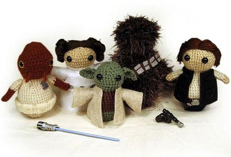 These Star Wars Amigurumi dolls depict Star wars cast members