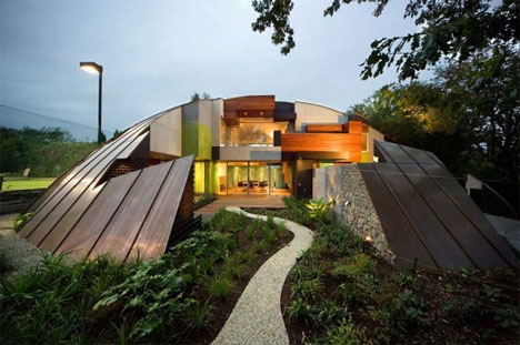 Unique retreats 8 offbeat one of a kind houses homes for Creative home plans