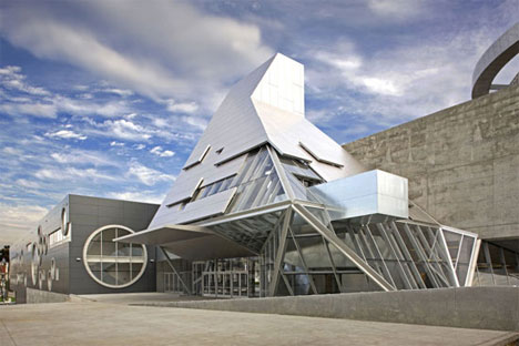 15 Cool High School, College & University Building Designs ...