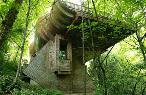 organic-curved-rural-home