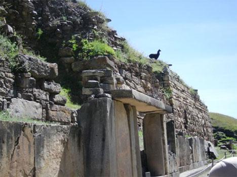 chavin-de-huantar-ruins