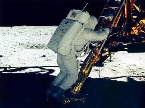 002-moonwalk