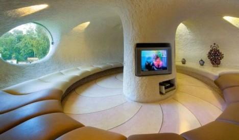 Crazy Decor: 10 Insane Interiors & Radical Room Designs | Urbanist