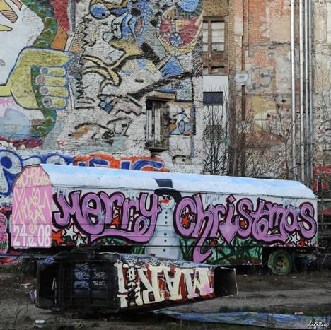 Christmas Graffiti Letters.Fantastic To Freaky 40 Graffiti Merry Christmas Greetings