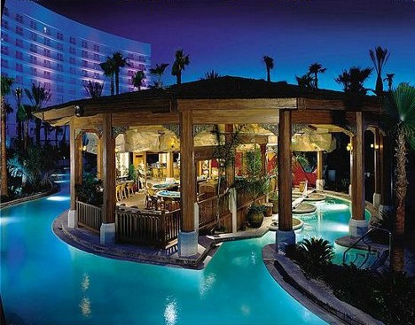 Vegas_Pool_1b