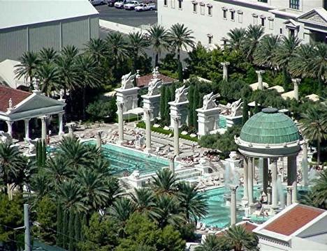 Sin city skinny dip 10 luxurious las vegas hotel pools for Garden of gods pool oasis