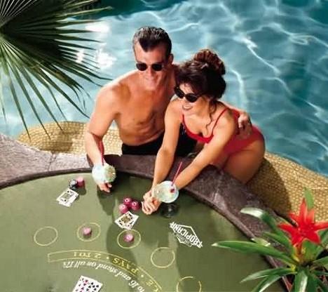 Vegas_Pool_8x