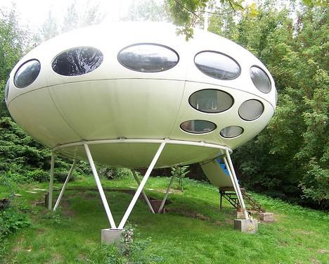The Futuro House Space Age Ufo Architecture Comes Home Urbanist - Futuristic-house-with-space-age-design