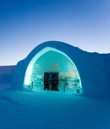 Arctic Vacation: Artist Suites Of The Frozen Icehotel
