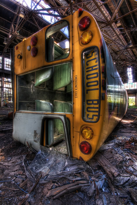Pictures Of Laughing Kids In School Buses