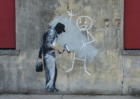 banksy graffiti art essay Acclaimed street artist banksy has crossed the pond from his native uk,  a little  less than halfway through his tour of the big apple, local graffiti artists and  property owners have already altered his first  unpublished essay.