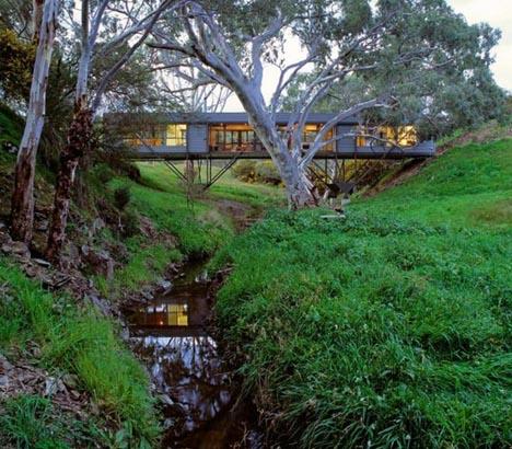 floating metal bridge house open house(s) 10 wonderful open plan home designs urbanist,In Ground Home Designs