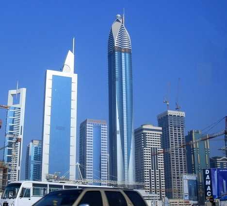 High 5 stars checking out the world s 10 tallest hotels for Top 10 5 star hotels in the world