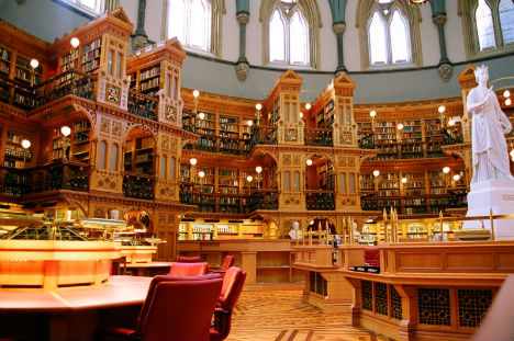 http://img.weburbanist.com/wp-content/uploads/2011/08/amazing-libraries-canadian-library-parliament.jpg