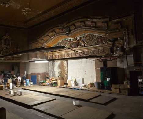 Abandoned Hollywood Theater Hidden Above Ny Shop Urbanist