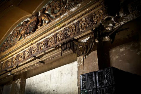 Abandoned Hollywood Theater Hidden Above NY Shop