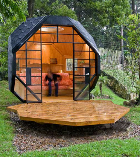 Outside offices 14 detached work pods eggs modules for Pod house plans