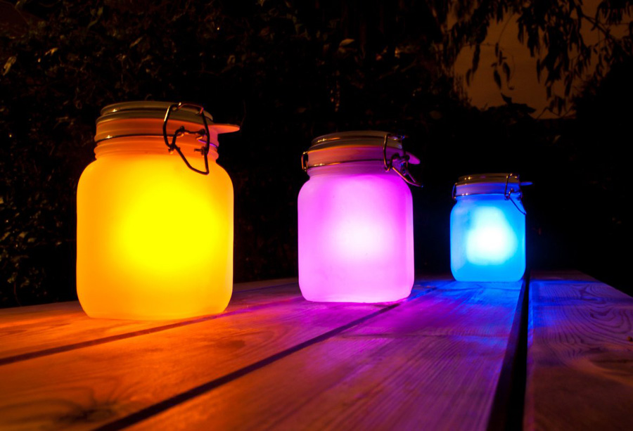 Sun In A Jar Make Diy Solar Lamps Aglow With Awesome Urbanist