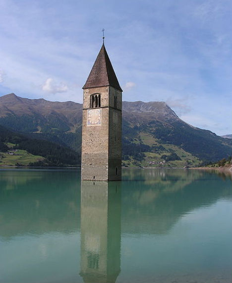 Underwater Town: Single Spire Marks Architectural Tomb