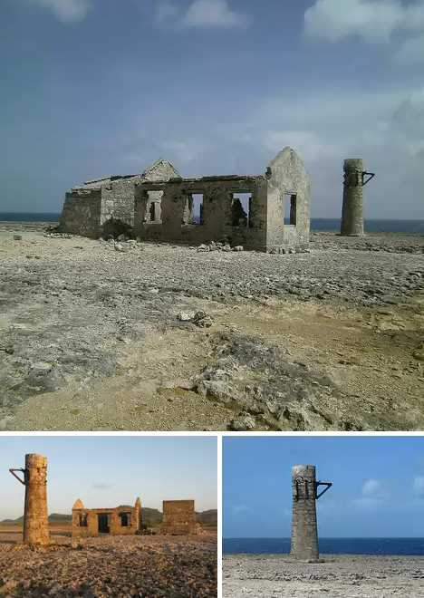 Old Malmok Lighthouse Bonaire abandoned