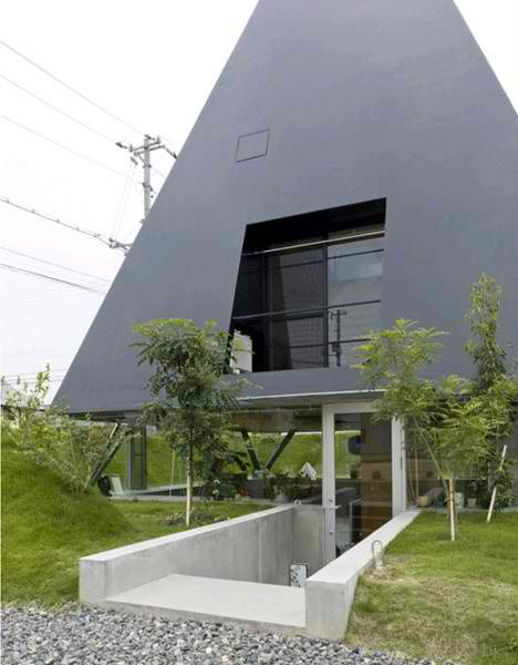 Modern Design Meets Tradition in 12 Japanese Homes | Urbanist