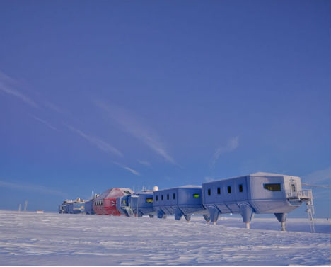 First Mobile Research Station Antarctica 1