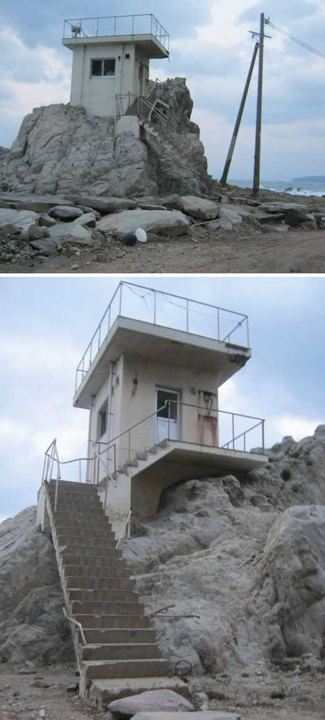 abandoned lifeguard tower genkaijima Japan