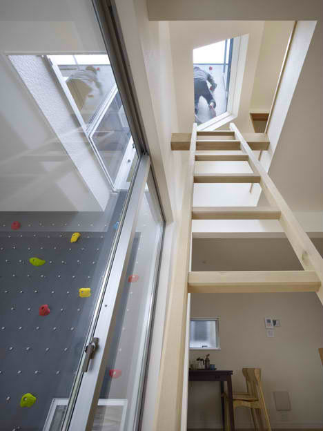 Private playgrounds 13 amazingly fun houses urbanist - Amazing private house design with luxurious swirly white staircase ...