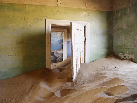 Abandoned Africa Kolmanskop 3