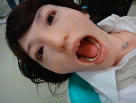 Creepy Dental Mannequin 1