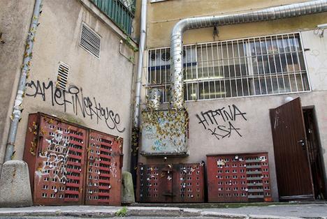 mini building street art