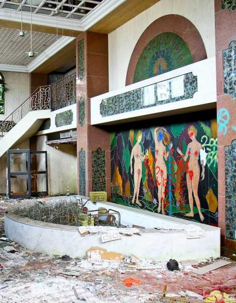Royal Blush Japan S Abandoned Queen Chateau Soapland
