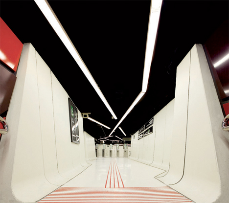 Amazing Subway Stations Drassanes 1