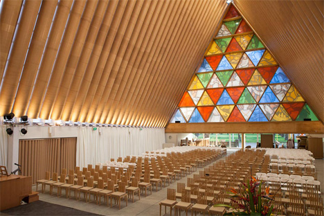 temporary cardboard cathedral new zealand