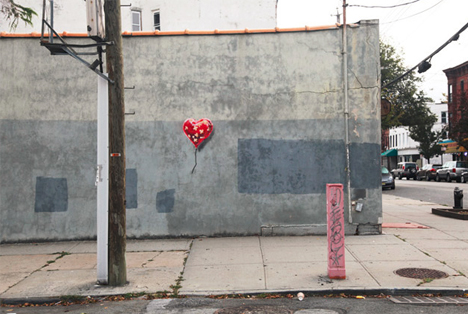 banksy heart art wall