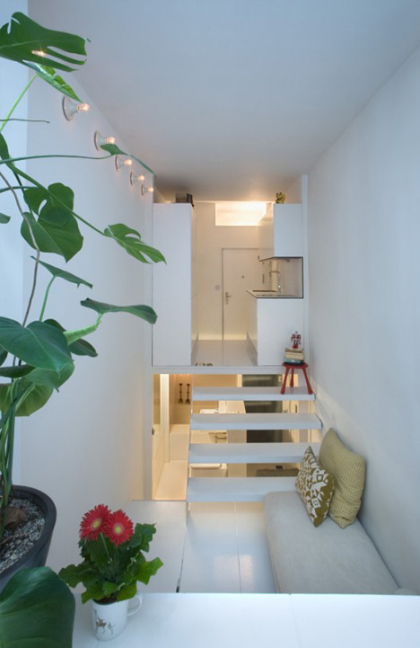 100 Cubic Meters Split Level Urban Micro Condo In Madrid