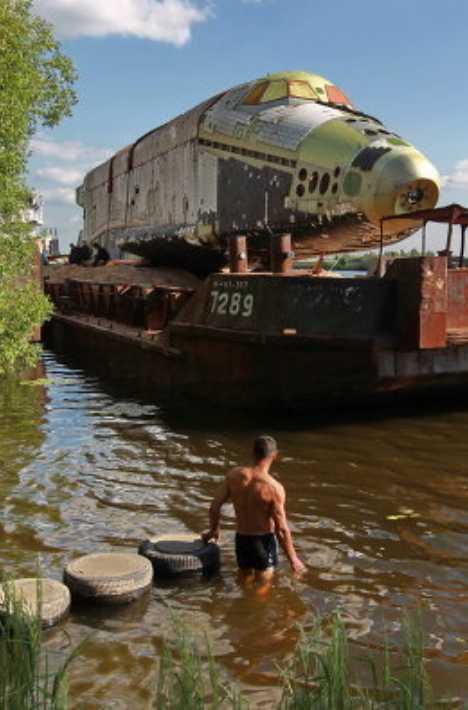 Buran barge MAKS-2011